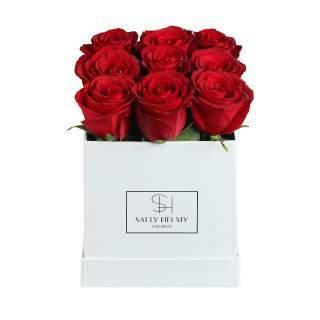 ورد أحمر بصندوق أبيض-سالي حلمي - مصر